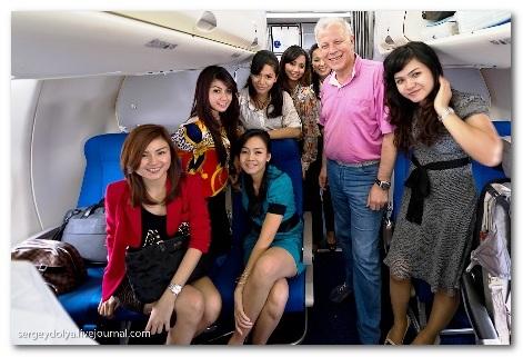 Foto Terakhir Penumpang Pesawat Sukhoi Super Jet 100 Mengambil Hikmah dari Tragedi Pesawat Sukhoi Super Jet 100