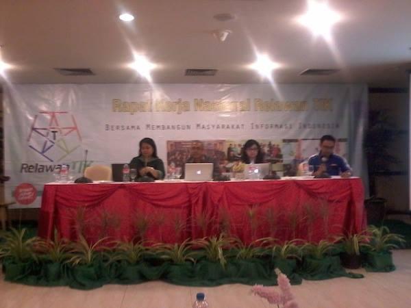 Narasumber Rakernas Relawan TIK Indonesia 2014 Manado