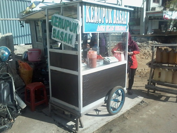 Kerupuk Basah Kapuas Hulu Depan DPRD Kota Pontianak