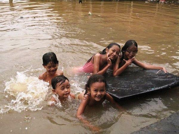 Sejahtera dengan Air - Anak Kapuas Pontianak