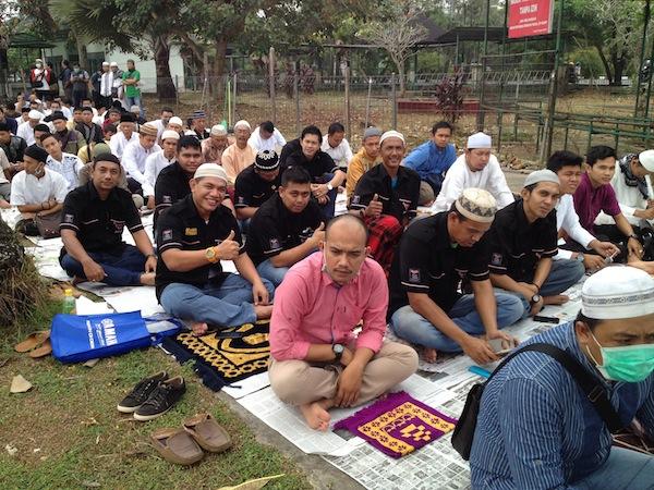 Peserta Tabligh Akbar dari Toyota Kijang Club Indonesia Wilayah Kalimantan Barat