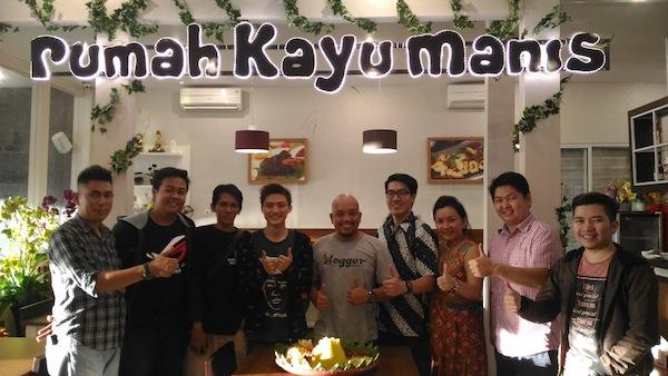 Kayu Manis Resto dan Desert Cafe Photo Session