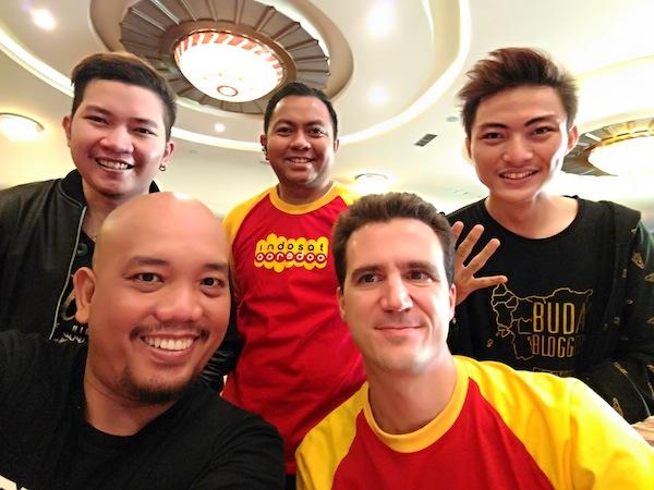 Selfie Bersama Dua Orang Spesial dari Indosat Ooredoo