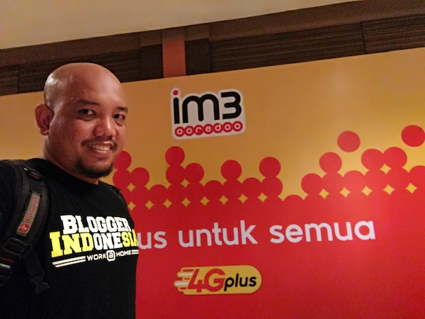 Selfie di Wall Photo Booth Indosat Ooredoo 4G Plus Pontianak Launch