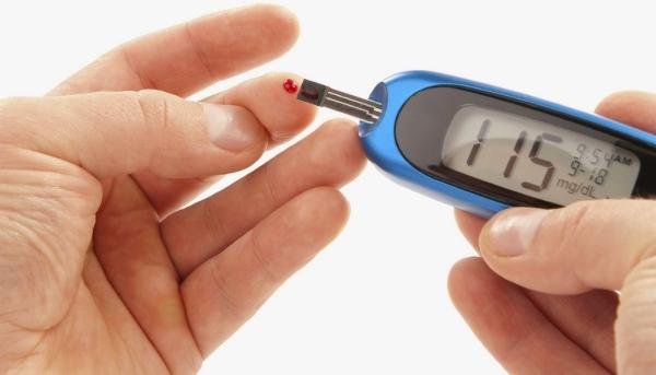 Glucometer Alat Pengukur Kadar Gula dalam Darah