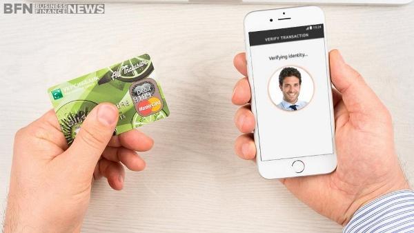 Selfie MasterCard Payment