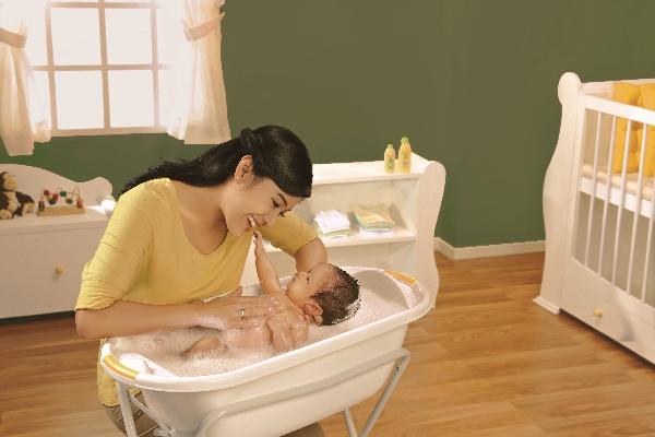 Baby Spa untuk Stimulasi Otak Bayi