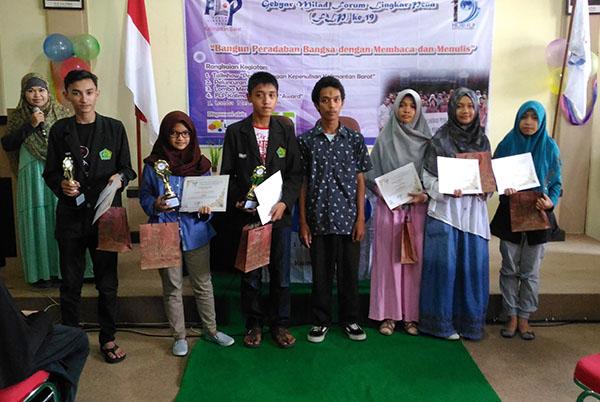 Milad FLP 19 Kalbar - Pemenang Lomba Penulis Cerpen Tingkat SMA Sederajat