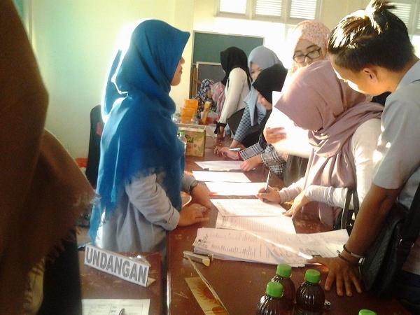 Proses Pendaftaran Roadshow Pertukaran Pemuda Antar Negara Kalimantan Barat 2016