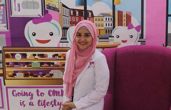 Oktri Manessa, Pendiri Klinik Oktri Manessa Dental Care