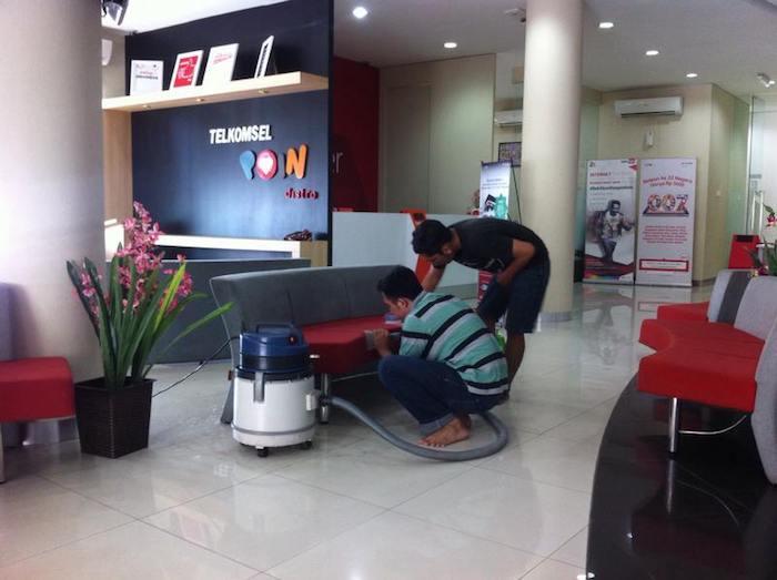 Jasa Cuci Sofa Telkomsel Pontianak