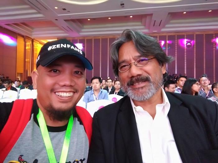 Blogger Borneo Selfie with Darwis Triadi
