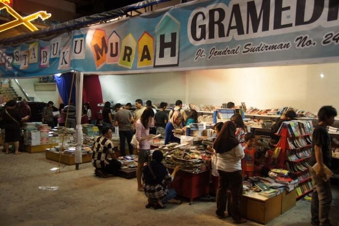 Ilustrasi Pekan Bazaar Buku