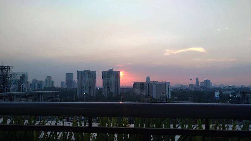 ZenFone 4 Max Pro Jakarta Menjelang Senja